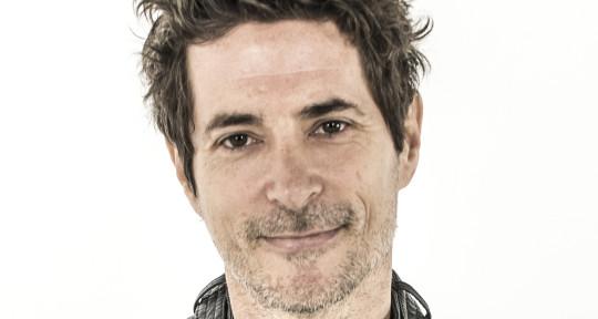 Singer, songwriter, bass, guit - Todd Morse