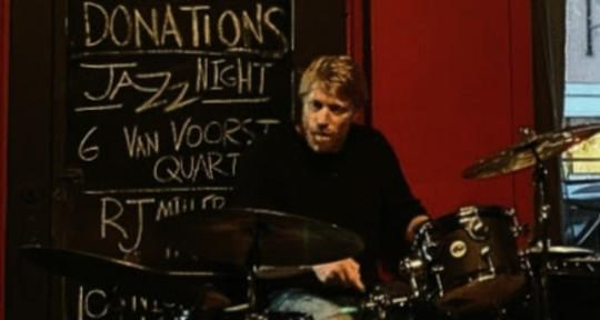 Studio Drummer - Jan van Voorst