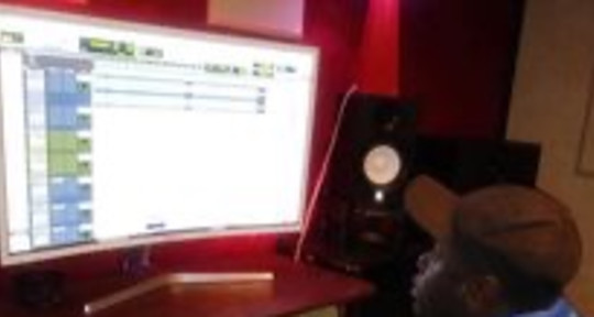 Sound Engineer/ Music Producer - Maurie Beats