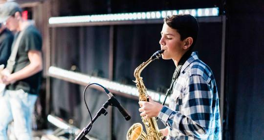 Session Saxophonist - Vincent Imperial Jr.