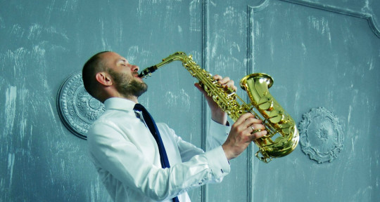 play clarinet and saxophone - Fishsaw