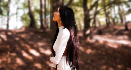 Singer, Songwriter, Producer - Sarah Hansson