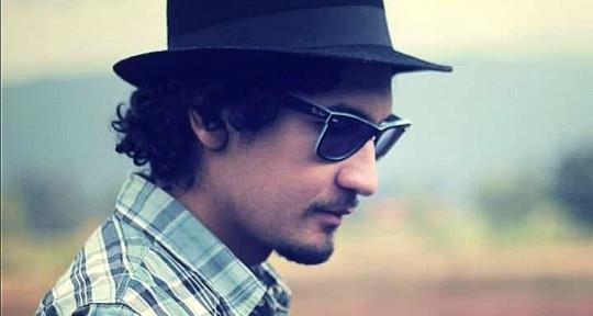 Latin/Session Guitarist - Chey Velasquez