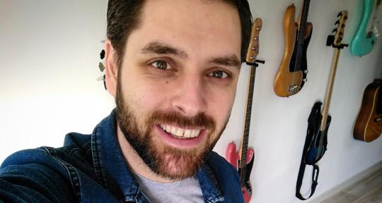 Rock & Punk Bass Player - Daniel Nicolas