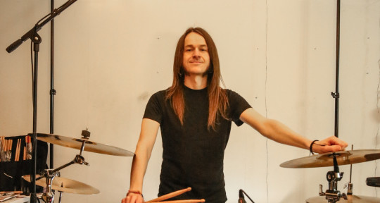 Pro Session Drummer & Nice Guy - Chris Reed