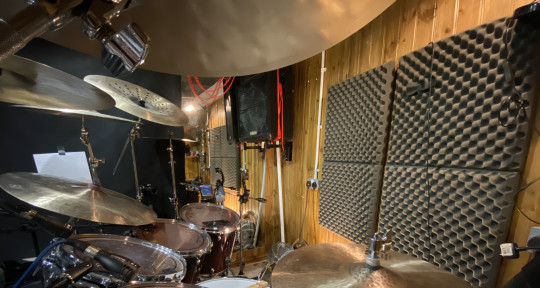 Session drummer - Pete Jean
