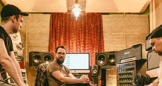Producer/Engineer/Mixer - Kyle Ashbourne