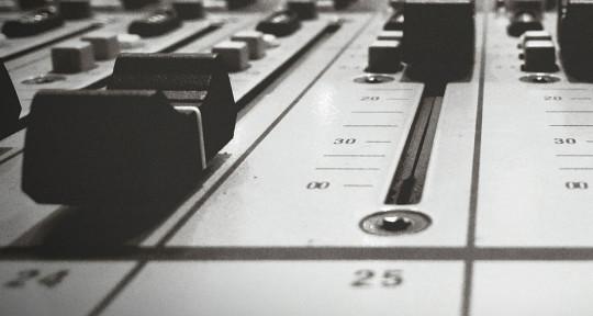 Mixer | Master | Producer - Luís Pereira