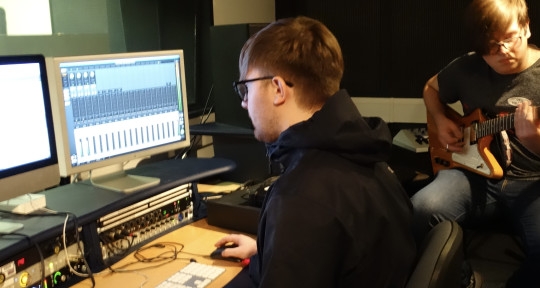 Music Producer - LRH Recordings