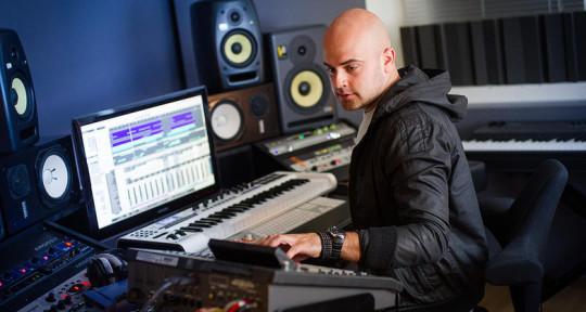 Music Producer/Remixing/Mixing - Roar Farstad