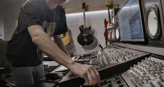 Music Production - Teo Marangon