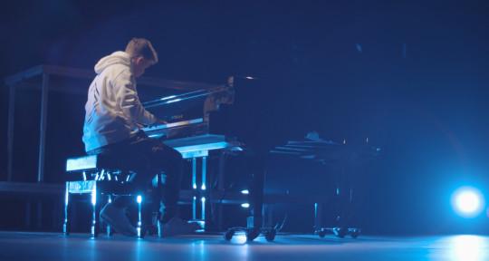 Producer / Mixer / Keyboardist - Roger Bosch