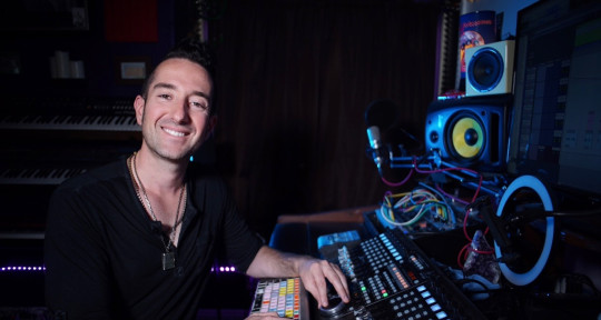 Mixing•Singer•Production - Colin Caetano