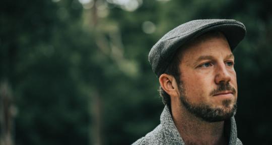 Vocalist & Songwriter - Richard Farrell