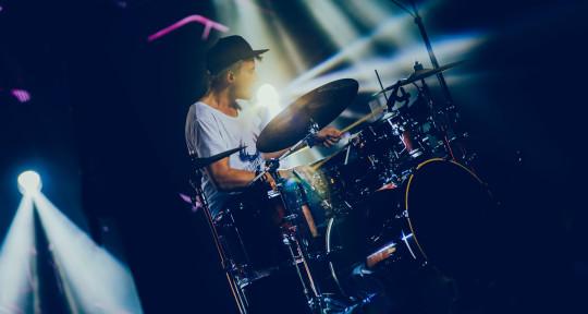 Drums/ Percussions/ Arranging - Benni