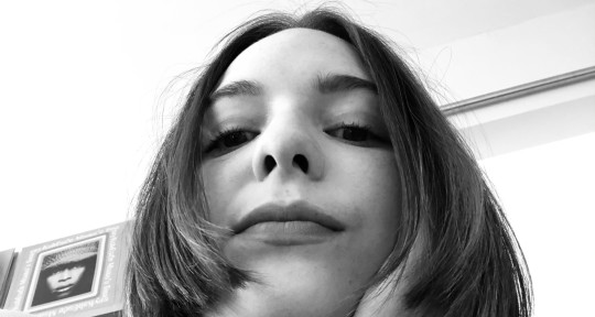 Demo, Backgrounds, or Featured - Alyssa