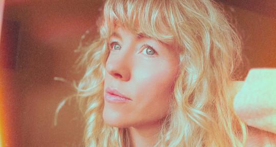 Singer, Songwriter, Producer - Elisa King
