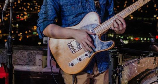 Session Guitarist - Sam Woods