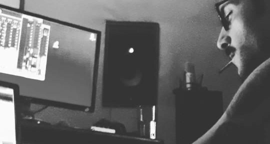 Music Producer, Sound Engineer - Alan Beez (2Loud4Crowd Studio)