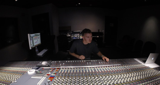 Mixing/Mastering Engineer - Travis Schofield