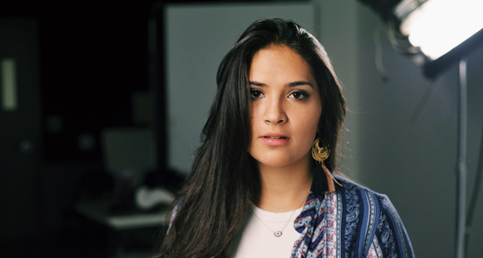 Vocalist | Songwriter - Elisa Gonzalez