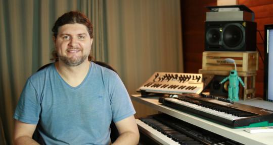 Synths and Keyboards  - Elieser de Jesus