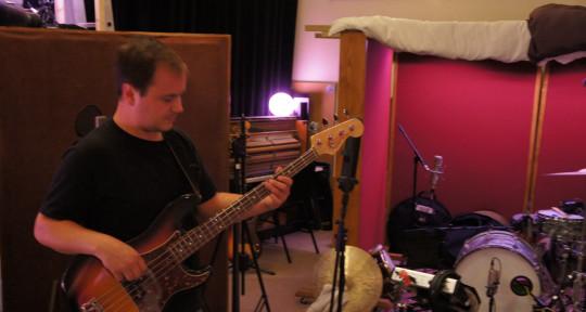Session Bassist - Charles Bioul