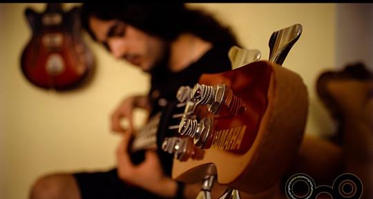 Bass player / Songwriter / ... - Antonio Just Tony
