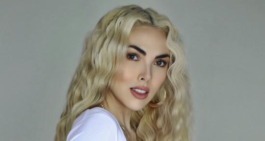 Vocalist | Songwriter - Sabryna