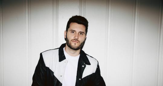 Pro Singer + Songwriter - Brandon Chase