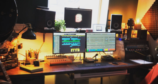 Remote Mixing, Music Producer - Alexis Lloyd