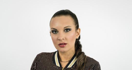 Singer, Topliner, Songwriter - Tina Parol