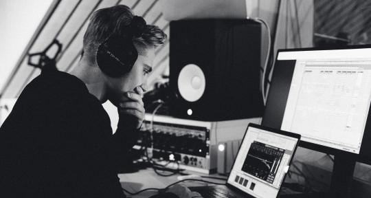 Music Producer - Izak Mannberg