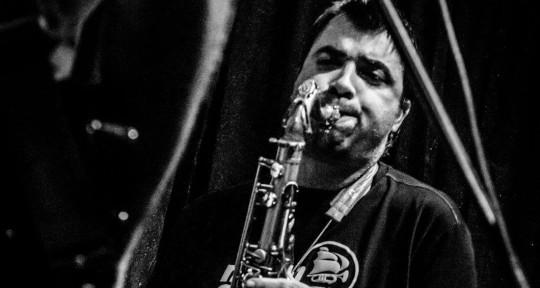 Session saxophonist & woodwind - Babis Prodromidis