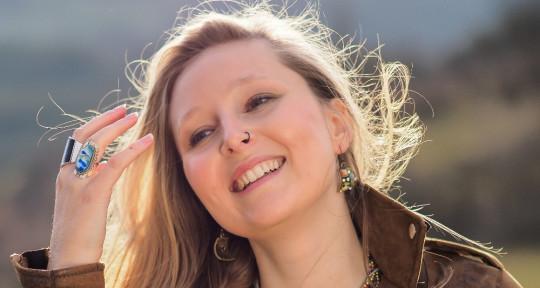 Singer, Songwriter, Producer - Bellabeth