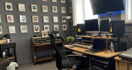 R Studio, Songwriter, Producer - Broadwater Studios Ltd