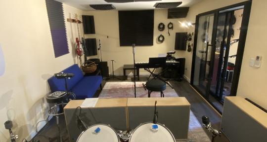 Recording studio - Purple Door Sound