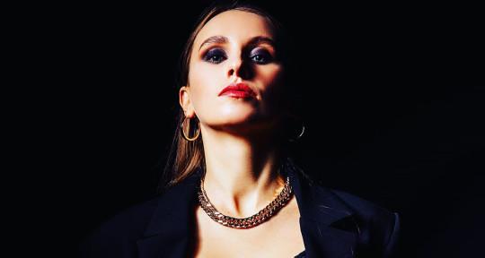 Singer, songwriter, session m. - Helen Redzel