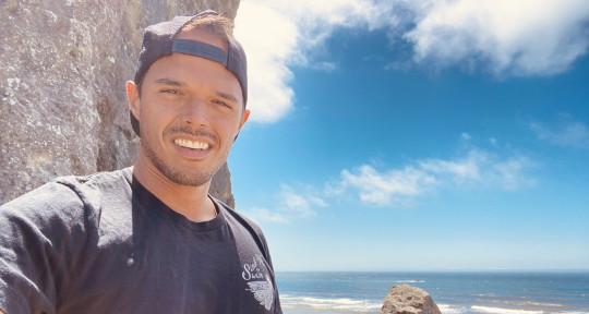 Singer, Songwriter - Aaron Rayford