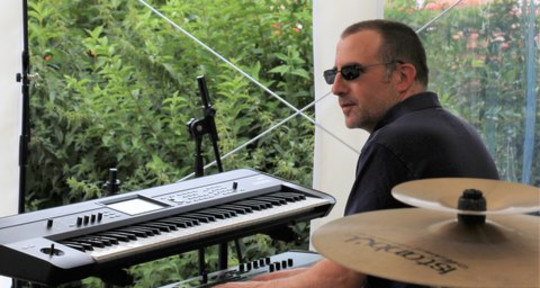 Keyboard player and producer - Jerome D.