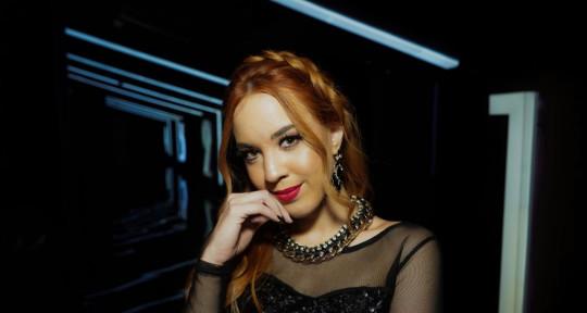 Singer-songwriter - Giovanna Chantal