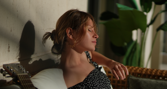Songwriter and Topliner - SARA