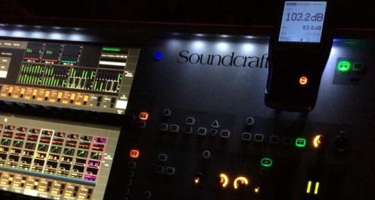 I'm music studio recording, mi - Kehinde olads