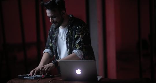 Music Producer,SessionVocalist - Rishi Roy