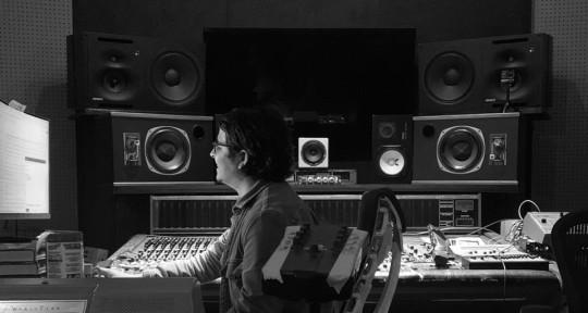 Grammy Mixer & Producer - Eduardo De La Paz