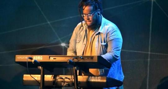 Session keyboardist  - Vincent Calice