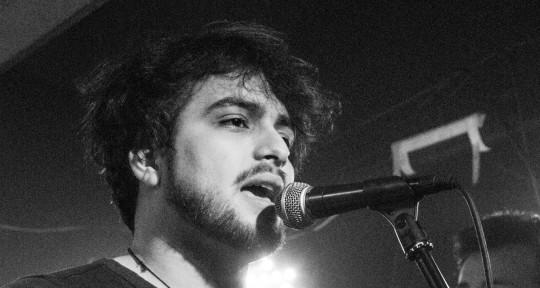 Songwriter, singer & marketing - Fernando Duque