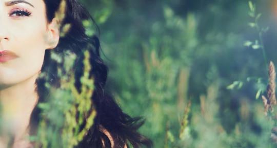 Singer, Songwriter  - Samantha Rose