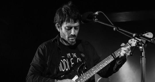 Guitarist - Argus Bond