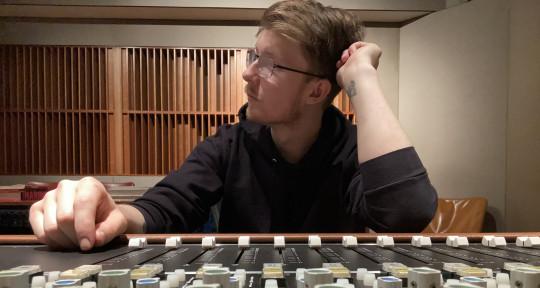 Engineer / Music Producer - Jacob Skye